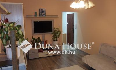 Eladó Lakás, Csongrád megye, Csongrád, Modern, 2+1 szobás belvárosi, erkélyes lakás