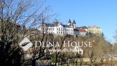 Eladó Ház, Veszprém megye, Veszprém, Várpanorámás, parkra néző új építésű ház