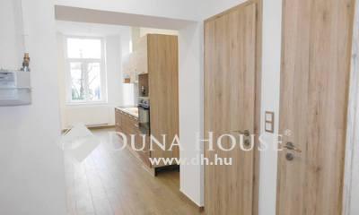 Eladó Lakás, Vas megye, Szombathely, Belváros szívéhez közel 1 emeleti felújított lakás