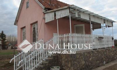 Eladó Ház, Bács-Kiskun megye, Kiskunfélegyháza, Selymesben felújított, téliesített ház garázzsal