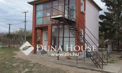 Eladó Ház, Bács-Kiskun megye, Kiskunfélegyháza, Három szintes tégla hobbi ház Selymesben