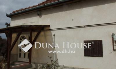 Eladó Ház, Bács-Kiskun megye, Kiskunfélegyháza, Külön portás, 3 szobás ház a városközponthoz közel