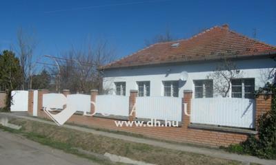 Eladó Ház, Csongrád megye, Pusztaszer, Árpád utca