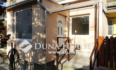Eladó Lakás, Budapest, 18 kerület, Felújított, két szobás, kis lakóközösség