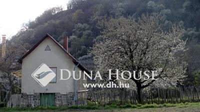Eladó Ház, Veszprém megye, Doba, Panorámás kis ház a Szent Márton-dűlőben