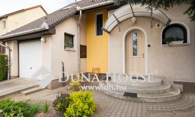 Eladó Ház, Bács-Kiskun megye, Kecskemét, Petőfivárosban nappali+3 szobás családi ház
