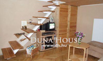 Kiadó Lakás, Budapest, 8 kerület, KÖRÚTON világos emeleti lakás kiadó