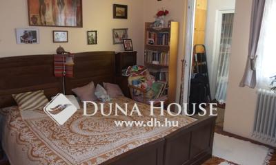 Eladó Ház, Bács-Kiskun megye, Kiskunfélegyháza, Alpesi jellegű sorház a Móravárosban
