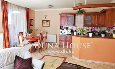 Eladó Ház, Pest megye, Vecsés, Kispatak lakóparkban 2004 épült,4 szobás ikerfél
