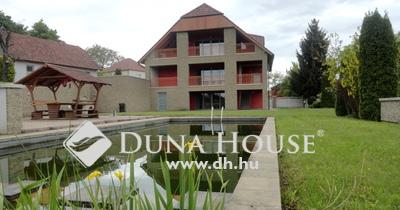 Eladó Ház, Veszprém megye, Kislőd, Három lakásból álló szép ház a Bakony ölelésében