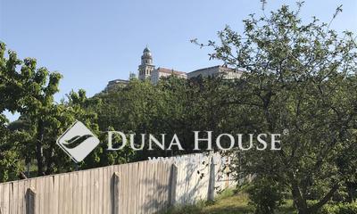 Eladó Ház, Győr-Moson-Sopron megye, Pannonhalma, központ közelében több generációs ház