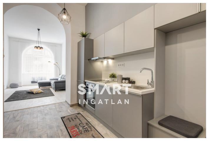 Eladó Lakás, Budapest, 7 kerület, 2 lakás egyben, felújított, könnyen kiadható