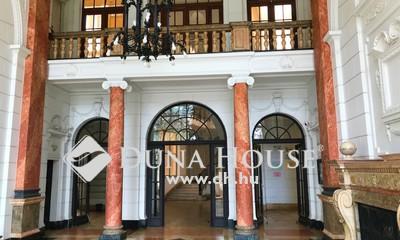 Eladó Lakás, Budapest, 5 kerület, Kossuth Lajos téren*alakítható*napfényes*emeleti