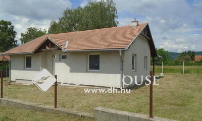 Eladó Ház, Komárom-Esztergom megye, Esztergom, Len utca