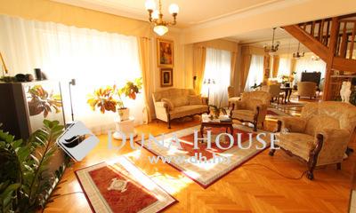 Eladó Ház, Fejér megye, Székesfehérvár, Frekventált helyen többlakásos családi ház