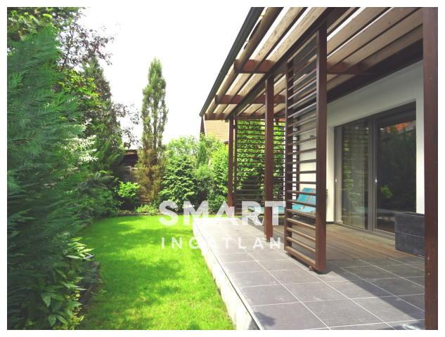 Kiadó Ház, Vas megye, Szombathely, Csónakázó-tó közelében! Elegáns! Csodás kert!