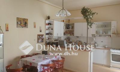 Eladó Ház, Budapest, 17 kerület, Rákoshegy vonatállomáshoz közel Csendes környék