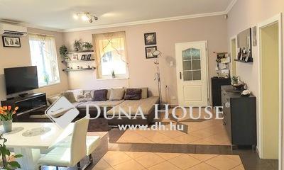 Eladó Ház, Pest megye, Szigetszentmiklós, Központi helyen,dupla garázsos napkollektoros ház