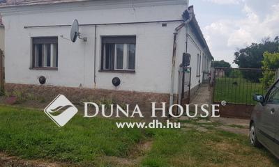 Eladó Ház, Komárom-Esztergom megye, Mocsa, Kis utca