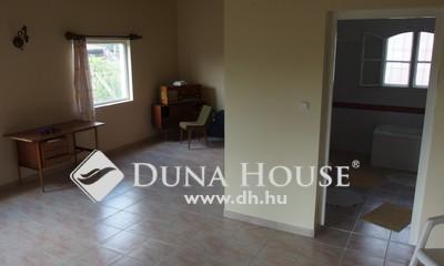 Eladó Ház, Bács-Kiskun megye, Kiskunfélegyháza, Téglaépítésű ház Selymesben