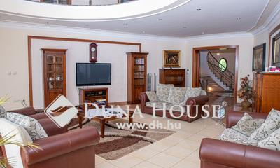 Eladó Ház, Hajdú-Bihar megye, Debrecen, Nagyerdőparki medencés luxusház erdőkapcsolattal!