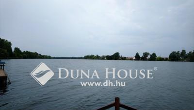 Eladó Ház, Pest megye, Dömsöd, Felújított, szigetelt nyaraló a Duna-parton
