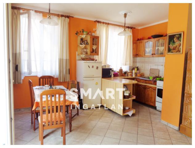 Eladó Ház, Győr-Moson-Sopron megye, Győr, 2 szintes ikerház mindkét lakása eladó!