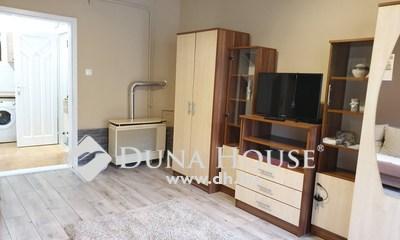 Eladó Lakás, Baranya megye, Pécs, Belvárosi felújított garzon lakás