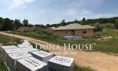 Eladó Ház, Pest megye, Pilisjászfalu, Egyszintes újépítésű, panorámás családi ház