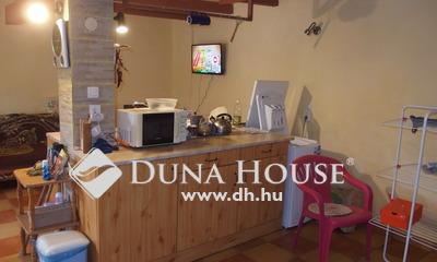 Eladó Ház, Bács-Kiskun megye, Kiskunfélegyháza, Háromszobás, belvárosi hitelezhető házrész