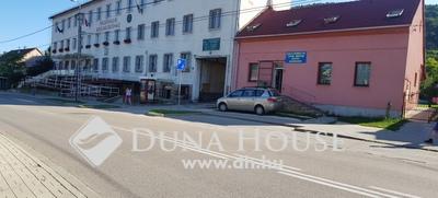 Eladó üzlethelyiség, Komárom-Esztergom megye, Tatabánya, Szent István utca