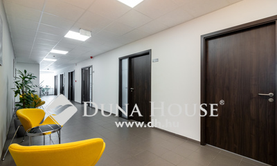 Eladó Irodaház, Budapest, 15 kerület, B-kategóriás irodaház kiemelkedő hozammal