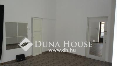 Eladó üzlethelyiség, Komárom-Esztergom megye, Esztergom, belváros