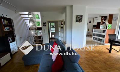 Eladó Ház, Budapest, 2 kerület, II.KER.PÁLVÖLGYBEN ERDEI KÖRNYEZETBEN