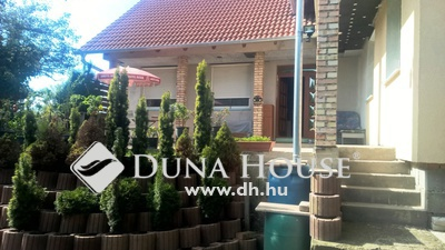 Eladó Ház, Pest megye, Vác, Gyöngyike utca