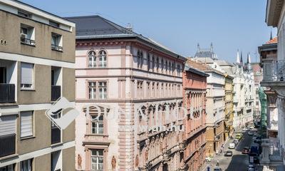 Eladó Lakás, Budapest, 5 kerület, AKADÉMIA UTCÁBAN KIVÁLÓ ELOSZTÁSÚ ERKÉLYES LAKÁS
