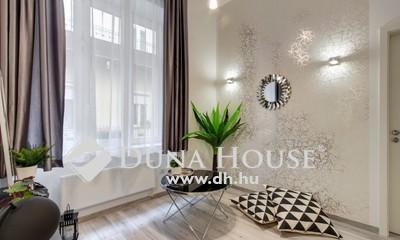 Eladó Lakás, Budapest, 7 kerület, meseszép - felújított - 2 szobás