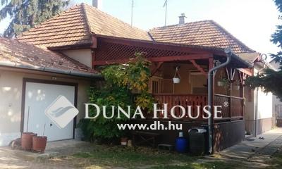 Eladó Ház, Pest megye, Gödöllő, családi házas, jó közlekedés,