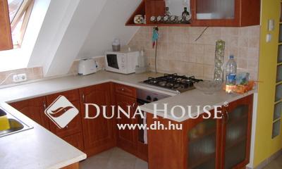 Eladó Lakás, Pest megye, Szigetszentmiklós, modern társasházi lakás, beépített tetőtérrel