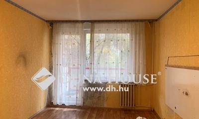 Eladó Lakás, Budapest, 17 kerület, Újlak utcai lakótelepen, 54 nm-es, 1+2 félszobás