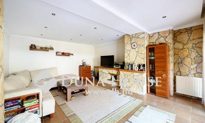Eladó Ház, Budapest, 16 kerület, FELÚJÍTOTT, PARKOS UDVAR