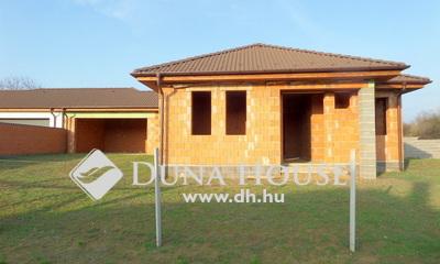 Eladó Ház, Szabolcs-Szatmár-Bereg megye, Nyíregyháza, Borbánya új lakóparkjában.