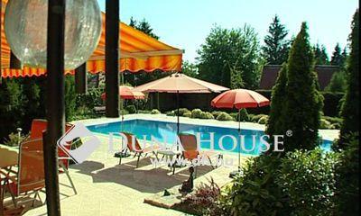 Eladó Ház, Pest megye, Erdőkertes, Géza hegyen igényes kúria, medence,teniszpálya