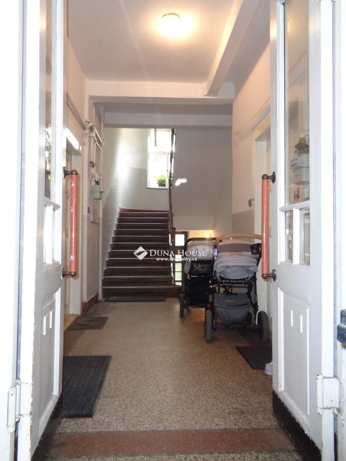 Pronájem bytu, Na Dolinách, Praha 4 Podolí
