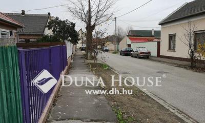 Eladó Ház, Budapest, 20 kerület, Csendes utcában, saját kerttel