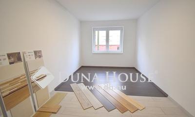 Eladó Lakás, Bács-Kiskun megye, Kecskemét, Újszerű 3 szobás lakás - 3. emelet