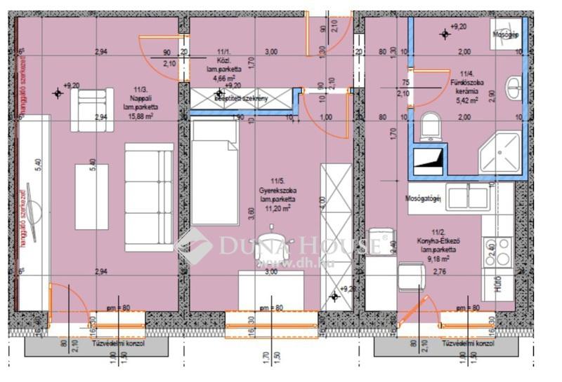 Eladó Lakás, Bács-Kiskun megye, Kecskemét, Teljes körűen felújított 3. emeleti 2 szobás