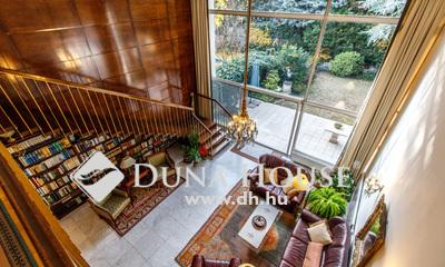 Eladó Ház, Budapest, 2 kerület, Beleszeretős, hatszobás, medencés, saját kerttel!