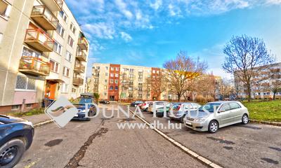 Eladó Lakás, Budapest, 17 kerület, Rákoskeresztúr, központhoz közeli felújított lakás