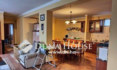 Eladó Ház, Szabolcs-Szatmár-Bereg megye, Nyíregyháza, Sóstóhegyen nappali+3 szobás ikerház eladó!